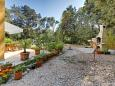 Courtyard Artatore (Lošinj) - Accommodation 8022 - Apartments near sea with pebble beach.