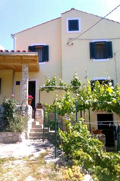 Property Miholašćica (Cres) - Accommodation 8073 - Vacation Rentals near sea with pebble beach.