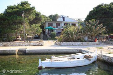 Property Veli Rat (Dugi otok) - Accommodation 8129 - Apartments near sea.