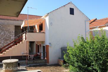 Property Kukljica (Ugljan) - Accommodation 8211 - Apartments near sea with pebble beach.