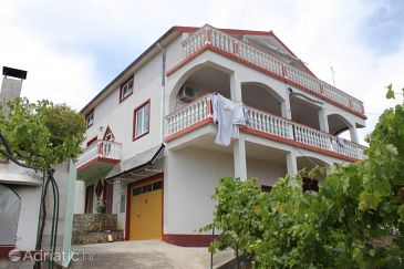 Property Kali (Ugljan) - Accommodation 8234 - Apartments near sea.