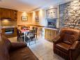 Ugljan, Living room 3 u smještaju tipa house, dostupna klima i WIFI.