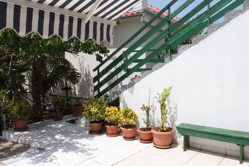 Apartmány s parkoviskom v meste Kali - 8269