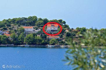 Skrivena Luka, Lastovo, Property 8280 - Apartments blizu mora with pebble beach.
