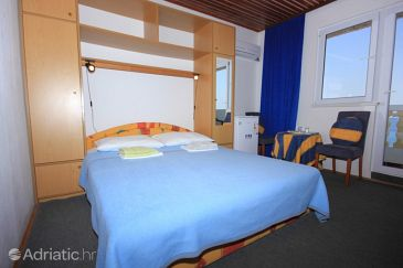 Room S-8300-a - Apartments and Rooms Tkon (Pašman) - 8300