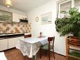 Ugljan, Dining room u smještaju tipa apartment, dopusteni kucni ljubimci i WIFI.