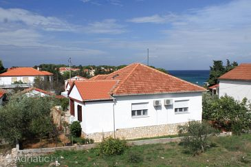 Property Ugljan (Ugljan) - Accommodation 8304 - Apartments near sea with pebble beach.
