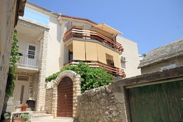 Property Primošten (Primošten) - Accommodation 8321 - Apartments near sea with pebble beach.