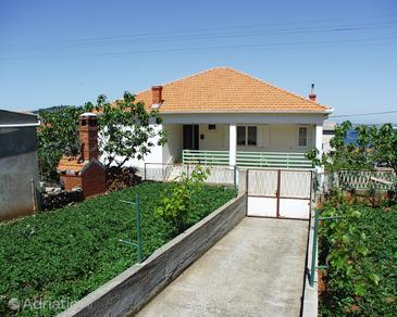 Property Kali (Ugljan) - Accommodation 833 - Apartments near sea with pebble beach.