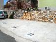 Parking lot Igrane (Makarska) - Accommodation 8332 - Vacation Rentals with pebble beach.