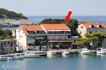 Property Zaklopatica (Lastovo) - Accommodation 8341 - Apartments near sea.
