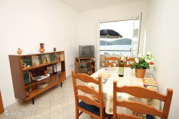 Apartment A-8355-d - Apartments Ubli (Lastovo) - 8355