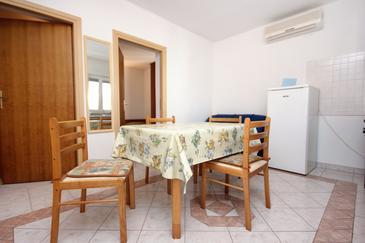 Lukoran, Dining room u smještaju tipa apartment, dostupna klima i WIFI.