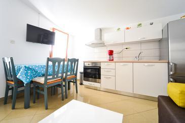 Apartment A-8370-a - Apartments Biograd na Moru (Biograd) - 8370