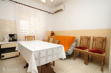Apartment A-8373-a - Apartments Tkon (Pašman) - 8373