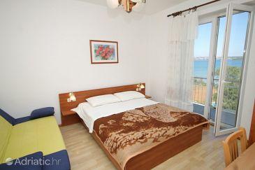 Tkon, Bedroom u smještaju tipa room, dostupna klima, dopusteni kucni ljubimci i WIFI.