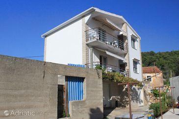 Property Kukljica (Ugljan) - Accommodation 8409 - Apartments with pebble beach.