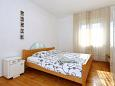 Bedroom 2 - Apartment A-8411-a - Apartments Tkon (Pašman) - 8411