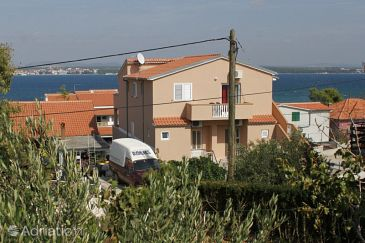 Property Tkon (Pašman) - Accommodation 8455 - Apartments near sea.