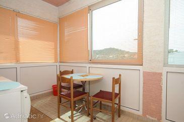 Mrljane, Dining room u smještaju tipa studio-apartment, WIFI.