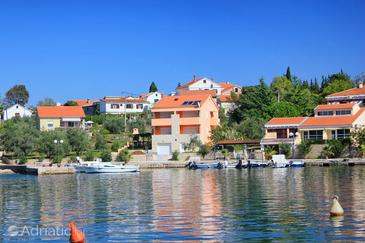 Property Lukoran (Ugljan) - Accommodation 8470 - Apartments near sea with pebble beach.