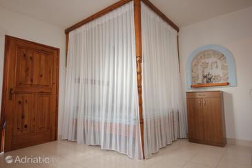 House K-8484 - Vacation Rentals Uvala Vitane (Pašman) - 8484