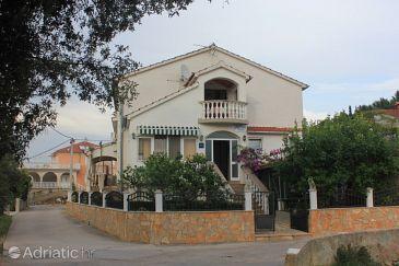 Property Kukljica (Ugljan) - Accommodation 8506 - Apartments near sea with pebble beach.