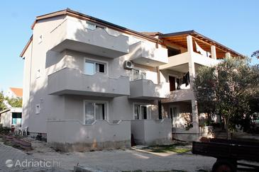 Turanj, Biograd, Property 852 - Apartments blizu mora with pebble beach.