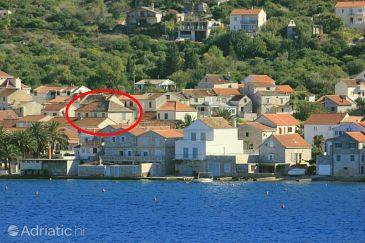 Property Vis (Vis) - Accommodation 8530 - Apartments near sea with pebble beach.
