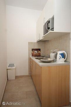 Mlini, Kitchen u smještaju tipa studio-apartment, WIFI.