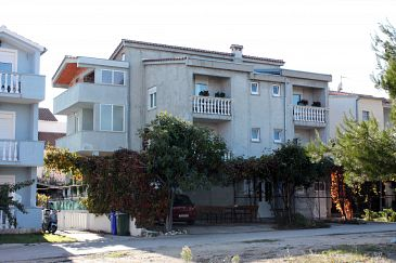 Property Biograd na Moru (Biograd) - Accommodation 859 - Apartments with pebble beach.
