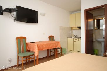 Studio flat AS-8635-a - Apartments and Rooms Podstrana (Split) - 8635
