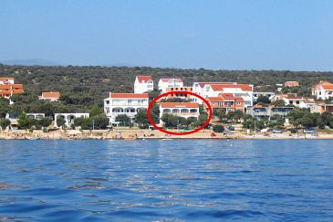 Property Mandre (Pag) - Accommodation 8655 - Apartments near sea with pebble beach.