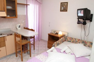 Apartment A-8677-a - Apartments Podstrana (Split) - 8677