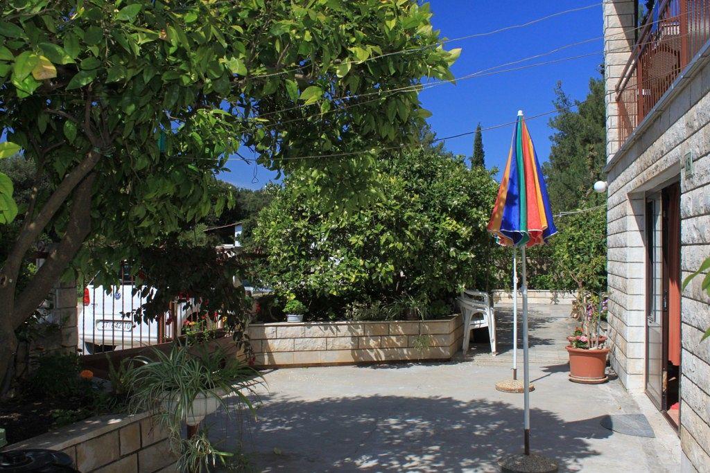 Apartmány s parkoviskom v meste Stari Grad - 8686
