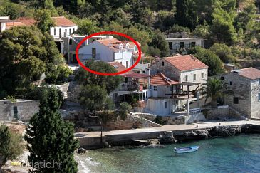 Property Uvala Tvrdni Dolac (Hvar) - Accommodation 8703 - Apartments near sea with pebble beach.