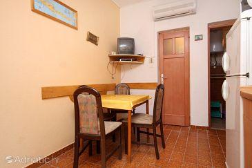Ivan Dolac, Dining room u smještaju tipa apartment, dostupna klima i dopusteni kucni ljubimci.