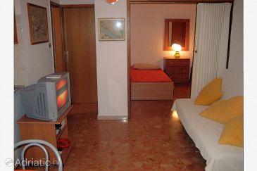 Apartment A-8736-a - Apartments Bol (Brač) - 8736