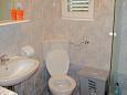 Bol, Bathroom u smještaju tipa apartment.