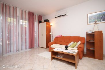Apartment A-8751-a - Apartments Jelsa (Hvar) - 8751