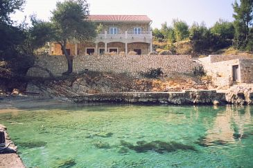 Property Uvala Zastupac (Hvar) - Accommodation 8761 - Apartments near sea.