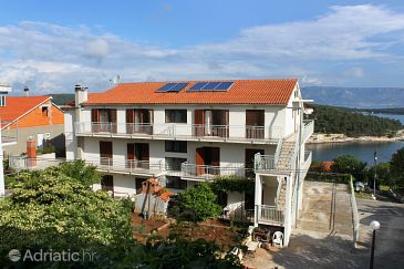 Property Jelsa (Hvar) - Accommodation 8765 - Apartments with sandy beach.
