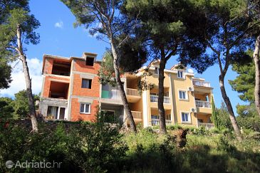 Property Jelsa (Hvar) - Accommodation 8777 - Apartments in Croatia.