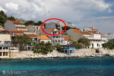 Property Milna (Hvar) - Accommodation 8795 - Apartments near sea with pebble beach.