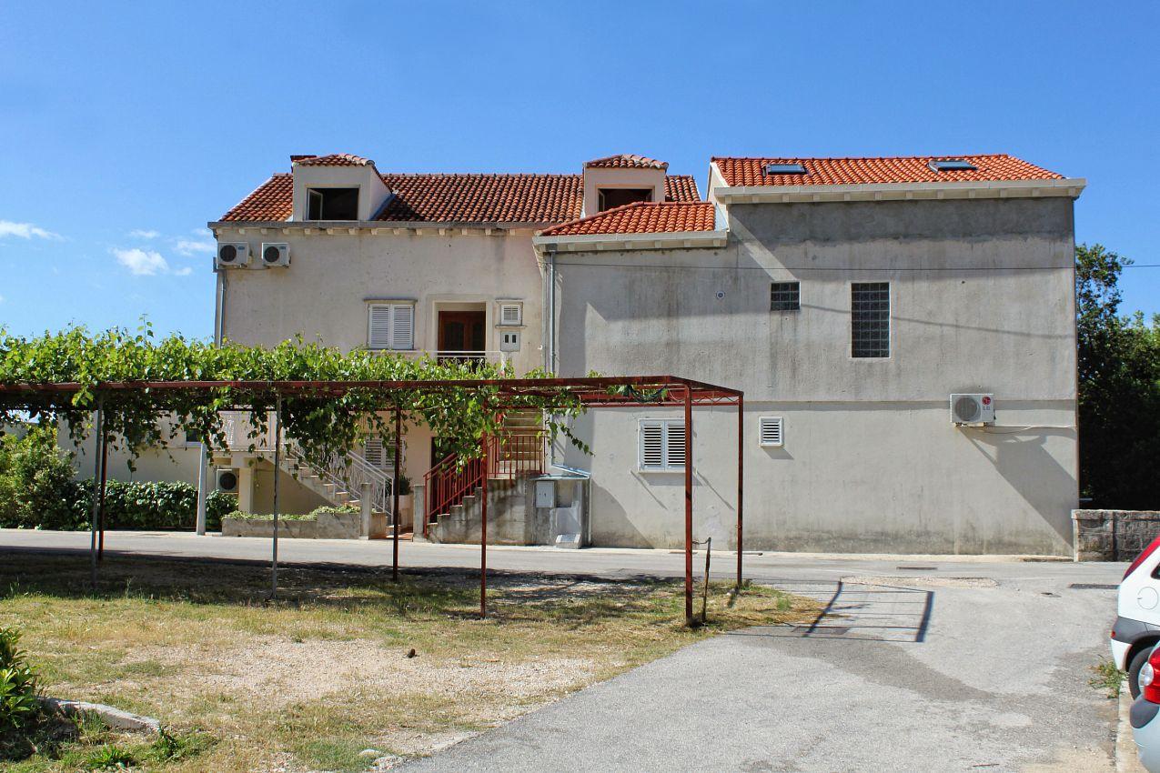 Apartmány s parkoviskom v meste Mlini - 8835