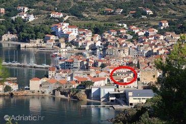 Property Komiža (Vis) - Accommodation 8860 - Apartments near sea with pebble beach.