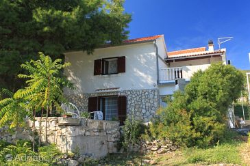 Property Podstražje (Vis) - Accommodation 8865 - Apartments with pebble beach.