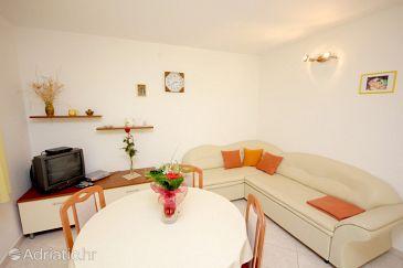 House K-8886 - Vacation Rentals Uvala Rogačić (Vis) - 8886