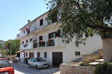 Property Sali (Dugi otok) - Accommodation 895 - Apartments near sea with pebble beach.