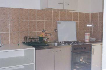 Uvala Mala Pogorila, Kitchen u smještaju tipa studio-apartment, dopusteni kucni ljubimci i WIFI.